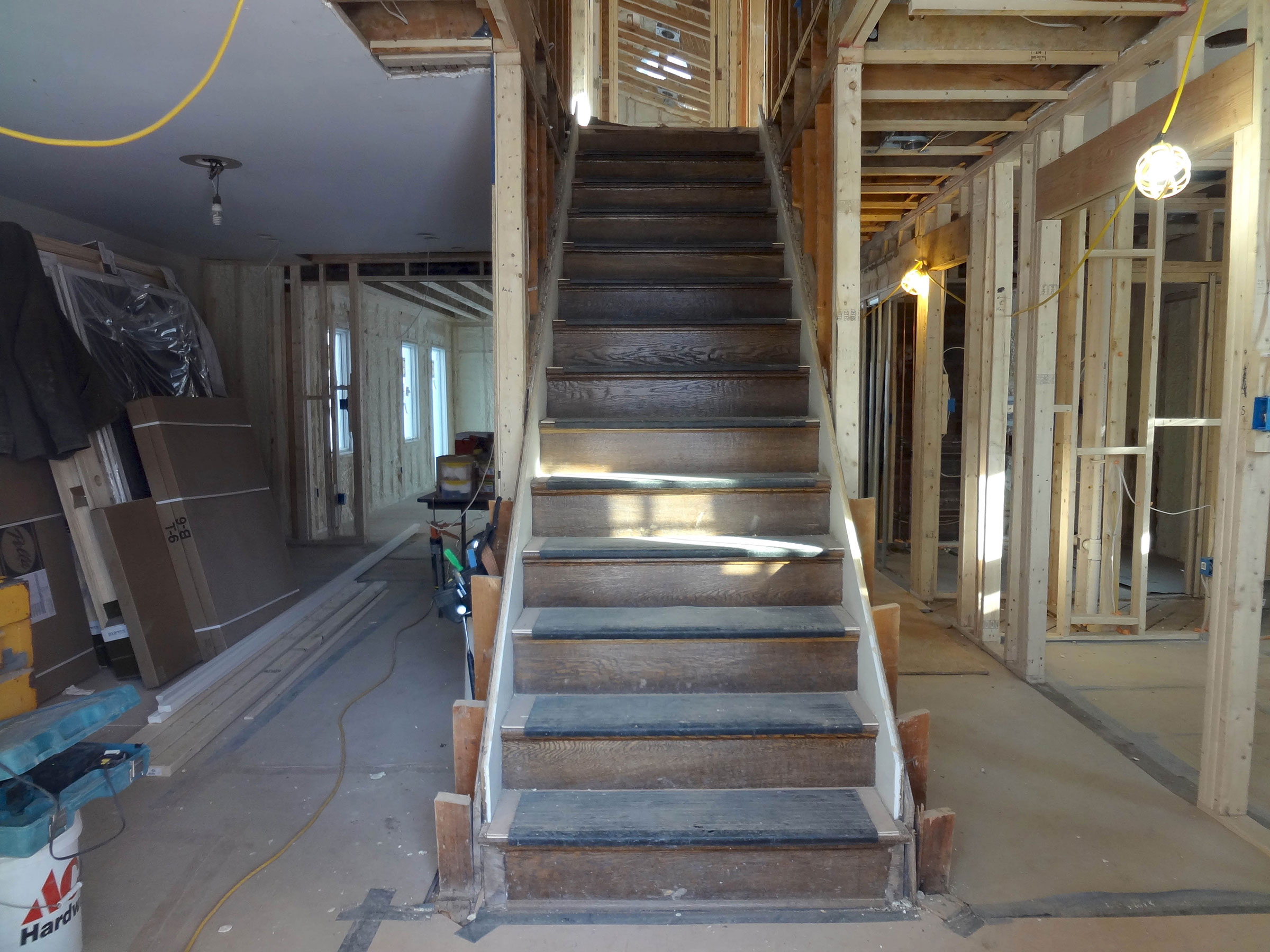 10-interior-staircase-before