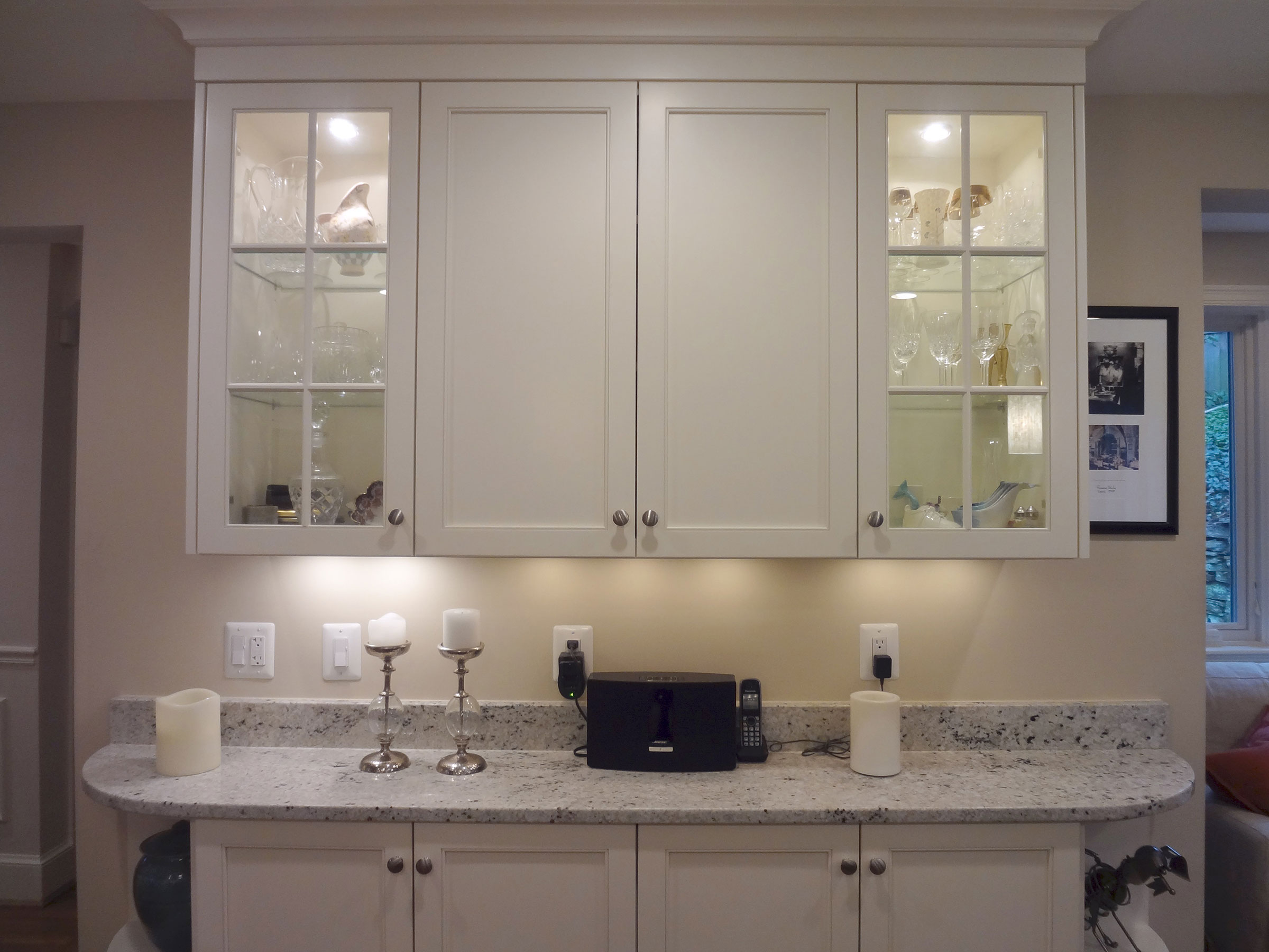 10-kitchen-glass-cabinets